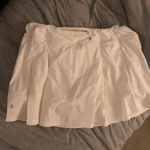 Lululemon Skirt; Perfect condition